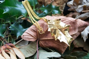 Real Holly leaf necklace